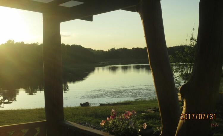 АгроЭкоУсадьба на Браславских озерах., Вид от дома. Озеро 200* вокруг.