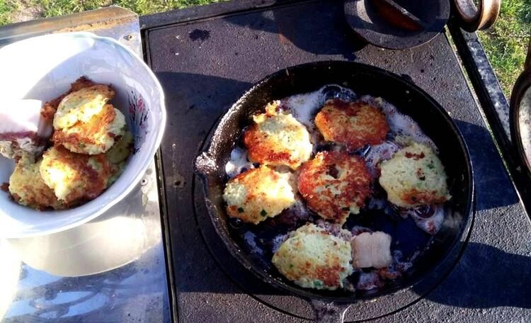 """Агроусадьба """"Белорусский Байкал"""", Наши гости всегда могут самостоятельно приготовить различные блюда национальной кухни !"""