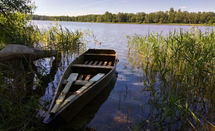 """Агроусадьба """"Сонечныя Бары"""", Озеро Ситнянское,лодка."""