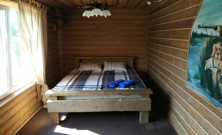 Струсто, Комната в люксе с двуспальной кроватью