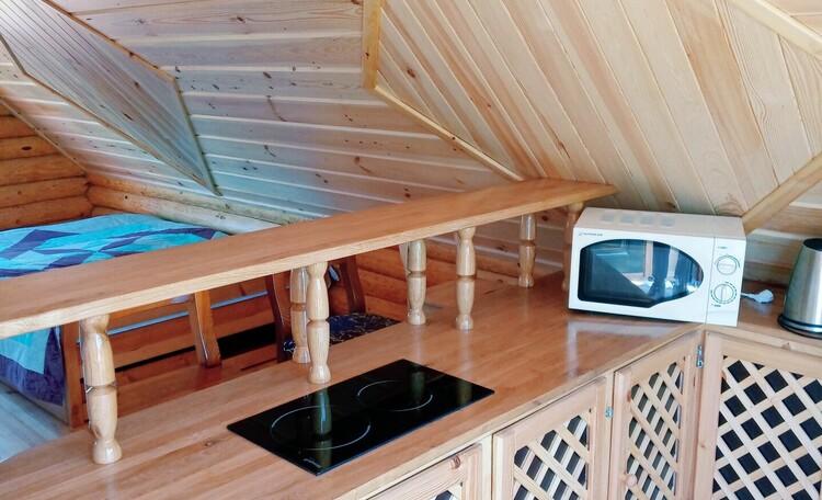 """Агроусадьба """"Белорусский Байкал"""", Кухонная зона в семейном номере"""