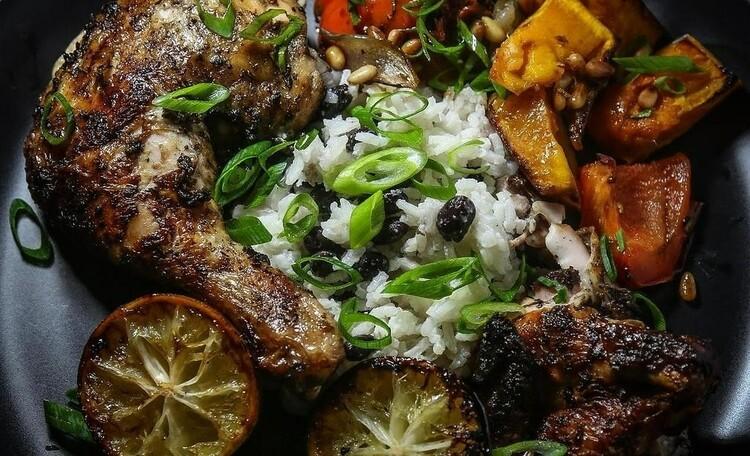 """Усадьба """"Сказка""""  в Беловежской пуще, Готовим любые блюда национальной и европейской кухни."""