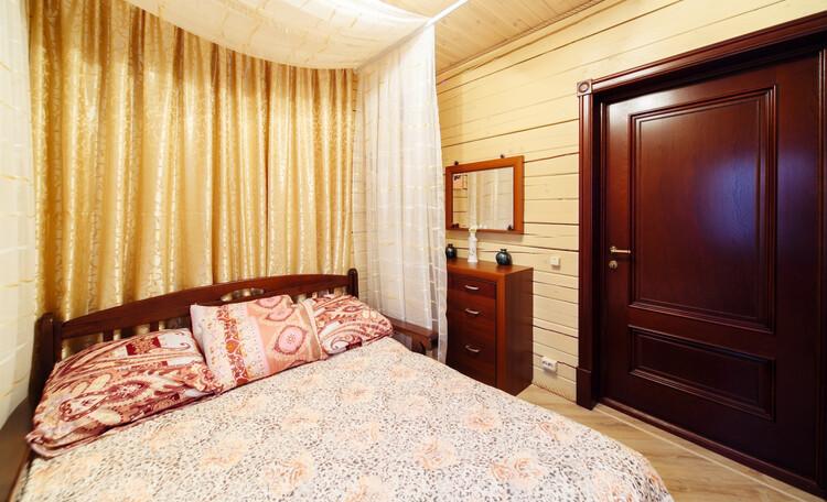 Усадьба «Terrassa», Романтическое настроение?      Вам сюда - Золотая спальня