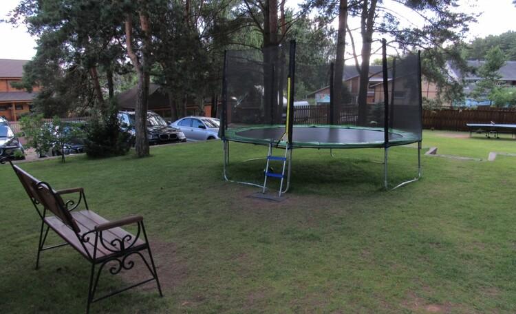 База отдыха «Васпан» до апреля скидки 10-20%, мамочки отдыхают,пока дети прыгают на батуте