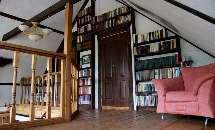 Дом с китайской беседкой. Библиотека