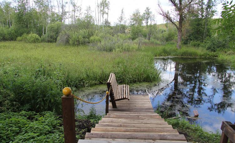 Агроусадьба «Арт-деревня Каптаруны», Дом у пруда. Мостки