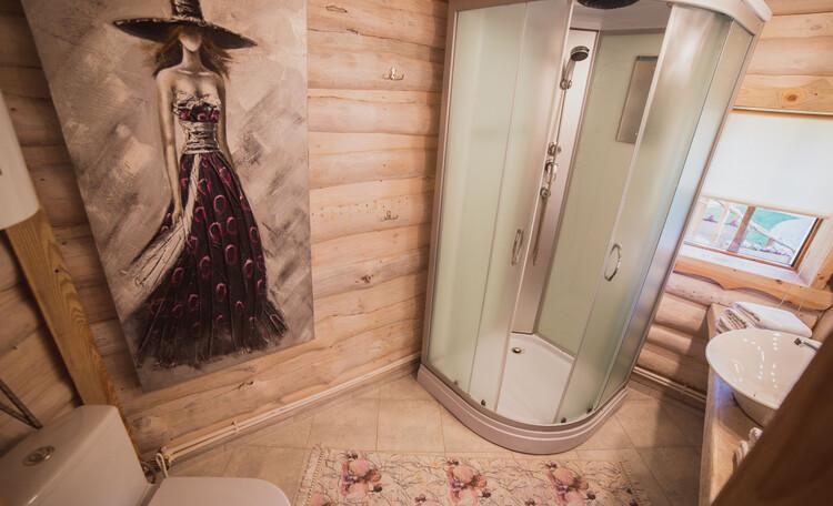 Усадьба «Вишня», Бунгало на дубах, ванная комната
