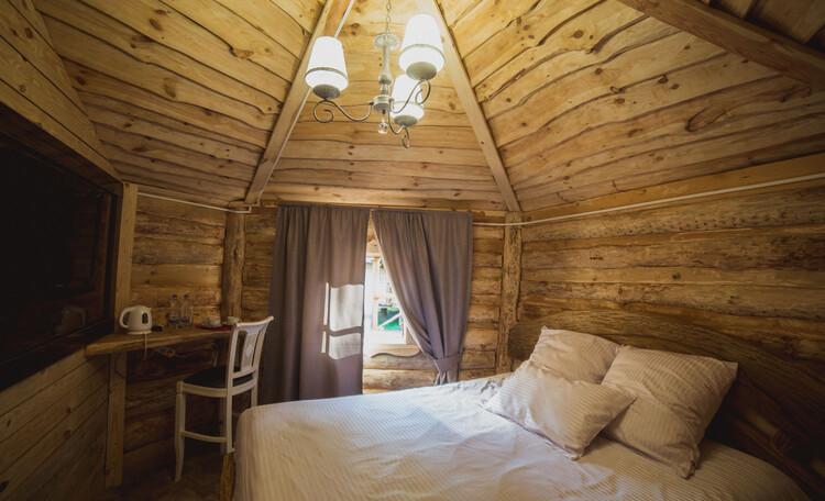 Усадьба «Вишня», Бунгало делюкс, спальная комната