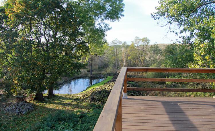 Агроусадьба «Арт-деревня Каптаруны», Дом у пруда. Верхняя терраса. Вид на Евросоюз