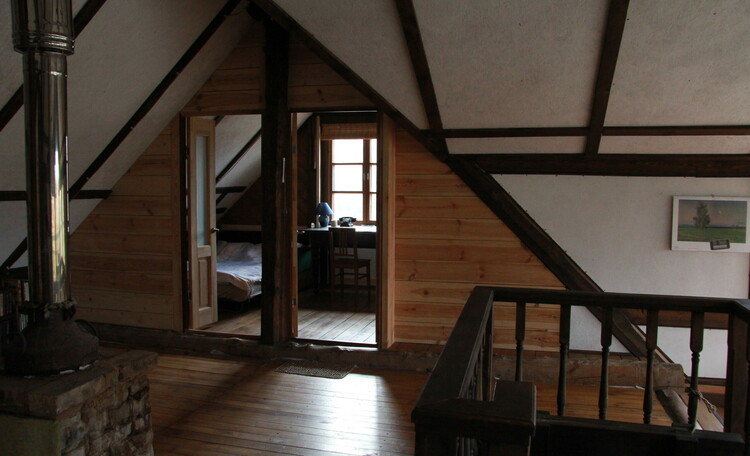 Дом у пруда. Спальня-кабинет