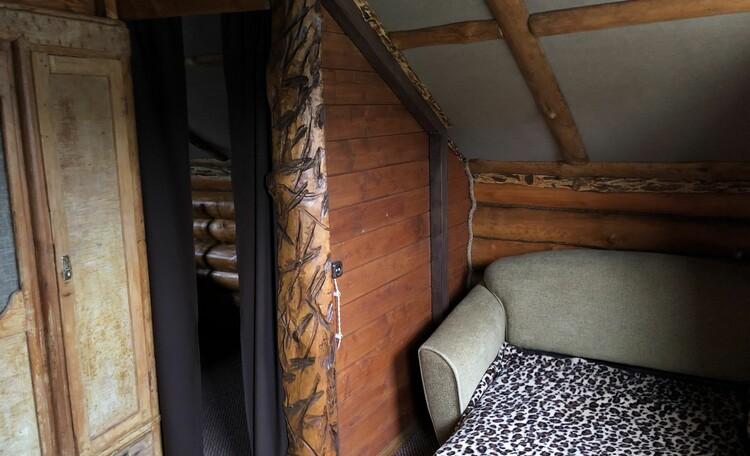 Агроусадьба «Узлянка» БАННЫЙ комплекс, Одноместный диван на втором этаже гостевого дома