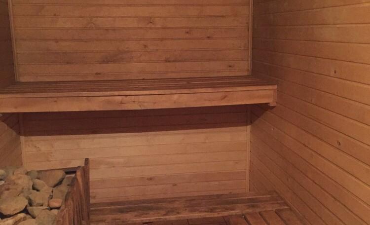 База отдыха «Без проблем», Баня в 10 метрах от озера где может смело разместится 8 человек