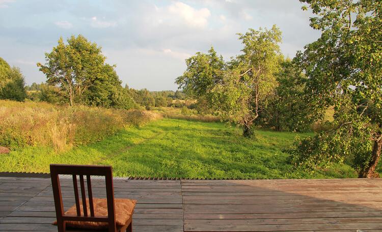Агроусадьба «Арт-деревня Каптаруны», Дом с китайской беседкой. Вид с верхней террасы