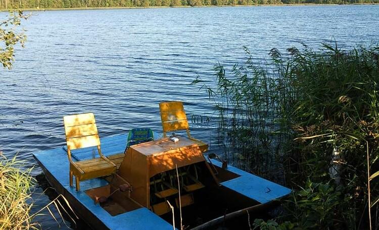 Усадьба «У Гавриловича», На озере можно покататься на катамаране