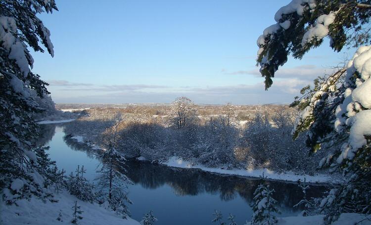 Зимний отдых и прогулки по берегу реки Березина