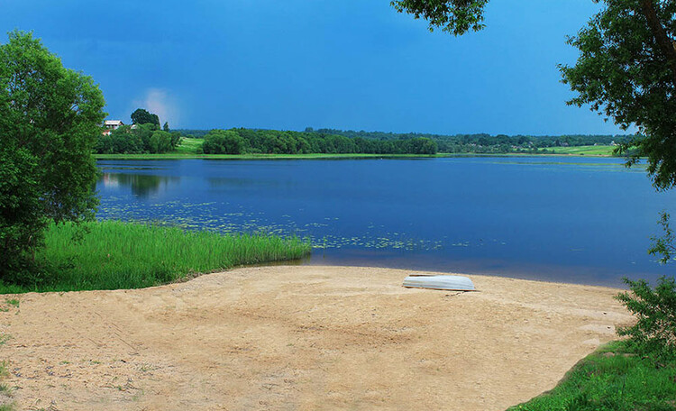 Усадьба «Охотный Двор» на озере