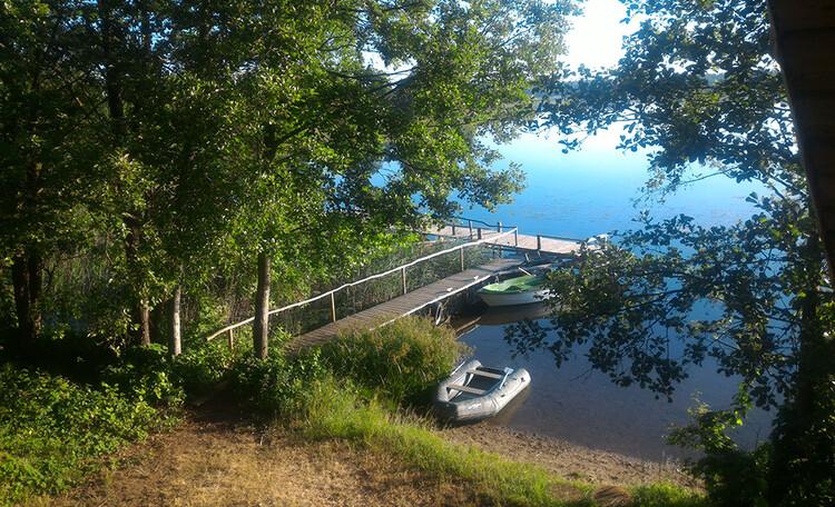 Природа и озера возле усадьбы «Заповедный остров»