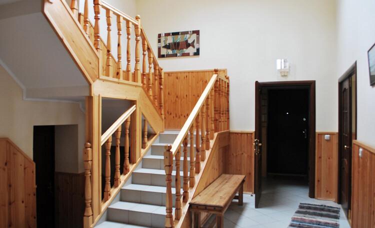 Усадьба «Розета». Гостиный дом. На втором этаже 6 номеров  2-х, 3-х и 4-х местных.
