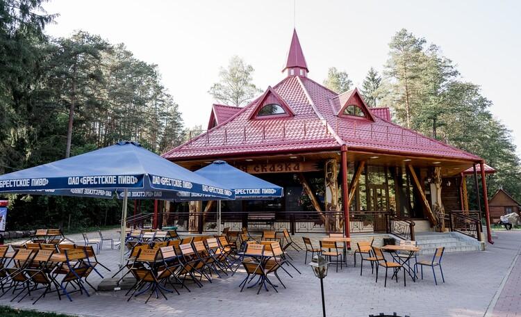 Агроусадьба «Пущанский дворик», Кафе Лесная сказка (в 1 км от усадьбы)
