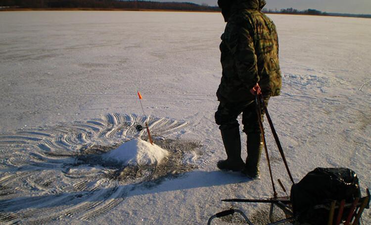 Усадьба «Богинская сказка», Зимняя рыбалка на Богинском озере никого не оставит равнодушным