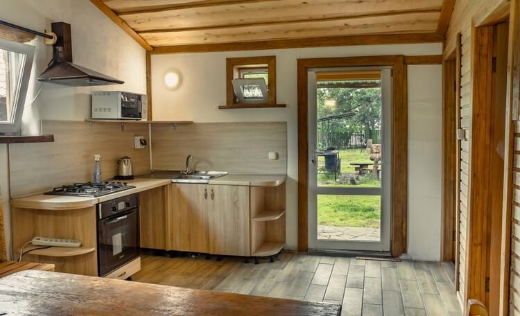 Агроусадьба «Сосновый Берег», домик 3/ комната/кухня