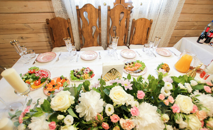 Агроусадьба «Заказанка», Стол жениха и невесты.