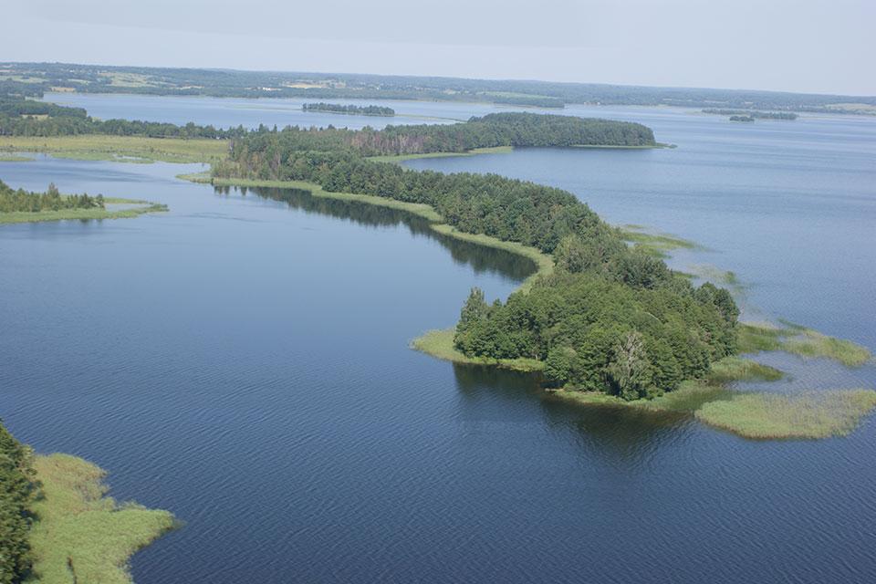 Национальный парк «Нарочанский», Змеиный полуостров на озере Мядель.