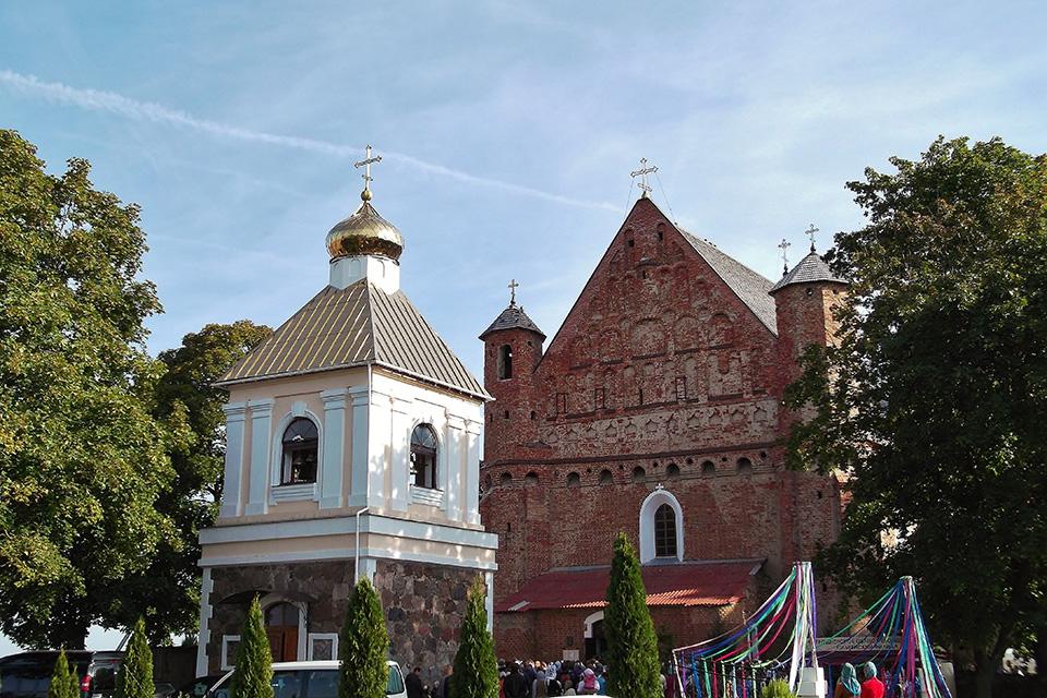 The Church of the Archangel St. Michael in Synkovichi, Двухярусная звонница, достроенная в 1891-м году
