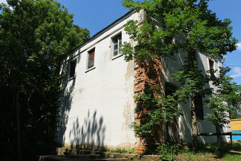 Усадьба Огинского в Залесье, Водяная мельница возле пруда, восстановлена во второй половине XX века. Возле плотины на реке Драе.