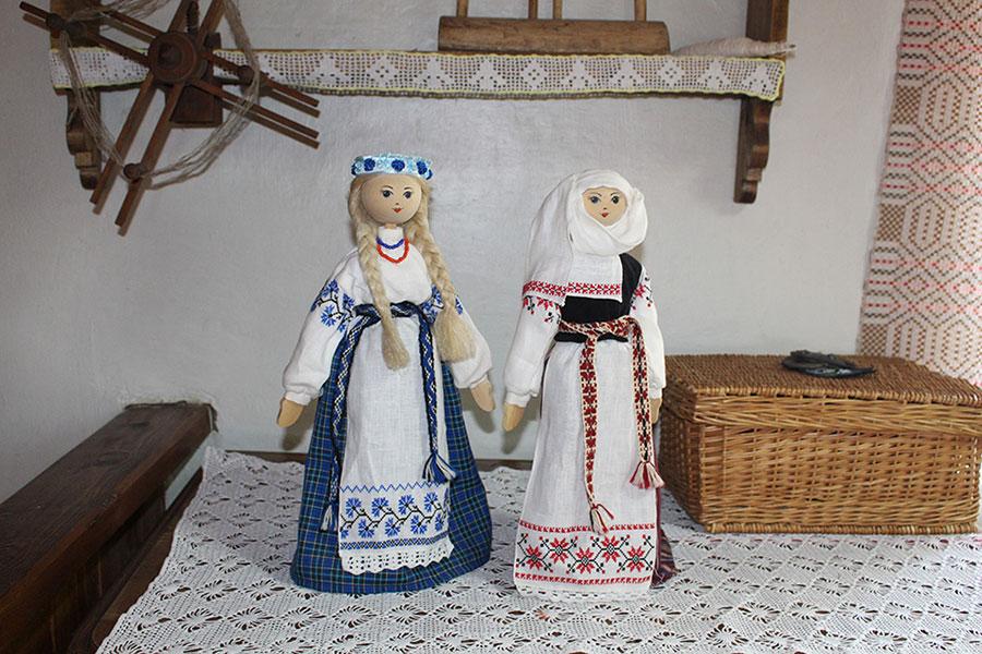 Музей традиционной культуры в Браславе, Льняные куклы в лавке сувениров