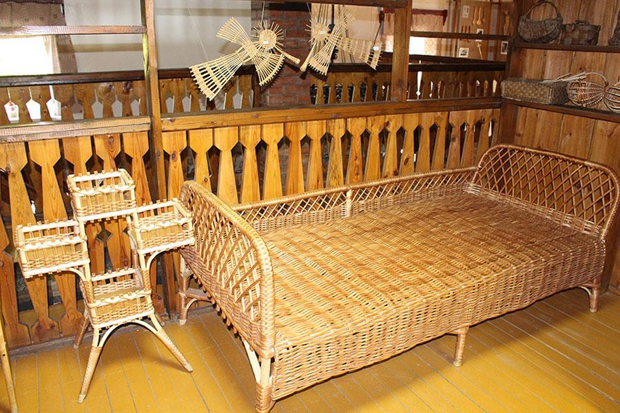 Музей традиционной культуры в Браславе, Кровать из плетеной лозы