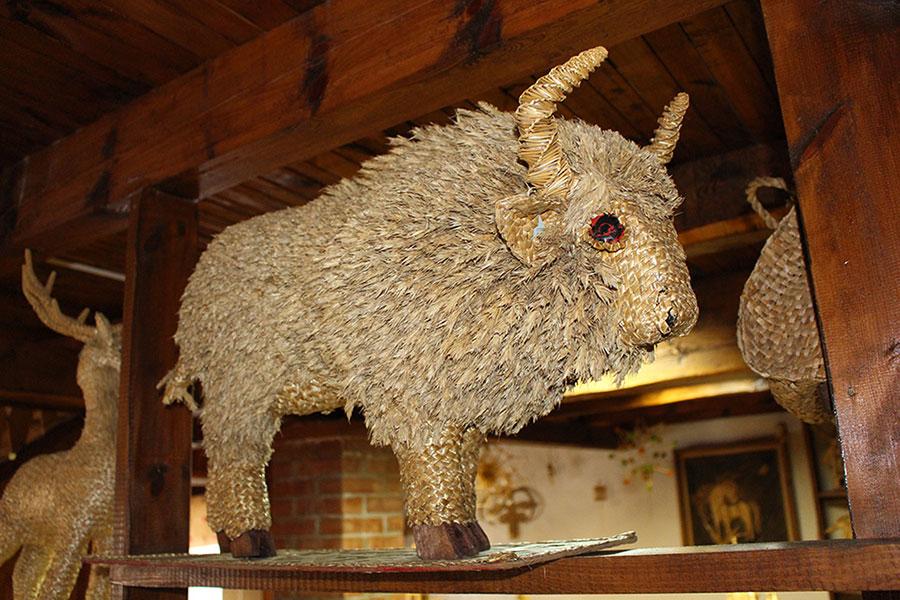 Музей традиционной культуры в Браславе, Зубр из соломы